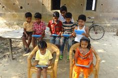 kids with tablets