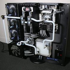 black and white PC build schwarz weißer PC watercooled Thermaltake core p5…