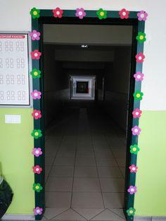 Sınıf kapı süsü Foam Crafts, Classroom Decor, Arcade Games, Kpop, Education, Children, Frame, Art, Vestidos