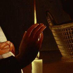 Dettagli 3. George de La Tour: L'educazione della Vergine. Olio su tela del 1650. 83,8 X 100,3 cm. Frick Collection, New York. La mano della bambina scherma la luce della candela che le consente di leggere: la stessa luce che filtra, più o meno, attraverso le sue dita, fa diventare quasi prezioso oro il canestro di vimini sul piano.