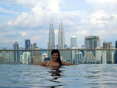 From this infinity pool in Kuala Lumpur you will get the best views of the city.