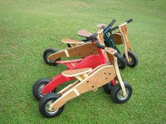 Wooden balance bike / Toddlers bike by Wiwiurka on Etsy