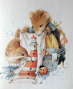 Vera the mouse at the beach by M. Bastin
