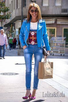 Capazo vaquero con apliques Shakira Checa. Reinvetamos el Denim. Designer by yolanda f aguilera.   #Straw basket bag #Beach bag #Ibizabag #Hippiestyle #un #bohochic #bohostyle  #Bohéme # #Style #Hippie #Gypsy #Ethnic #Gypsystyle #Fashion #Ibizastyle #Étnico #Fashiondesigner #lolitaylola #yolandafaguilera #loliteando. #strawhandbag #camisola #camisole #denim #cazadora #cazadoravaquera #capazo #boholifestyle #strawhandbag www.tendenciaslolitaylola.blogspot.com Síguenos en el Facebook de…