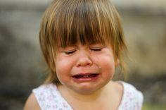 O que psicologia diz sobre o choro?  http://www.eusemfronteiras.com.br/o-que-a-psicologia-diz-sobre-o-choro/