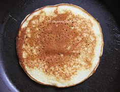 Clatite americane ( Pancakes) - Desert De Casa - Maria Popa Gem, Ethnic Recipes, Food, Meal, Essen, Gemstones, Bud, Jewels, Gemstone