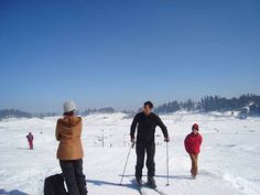 Jammu & Kashmir is a spectacular state where you can enjoy both beauty and adventure. The snow fall is a magical treat for tourists, visiting the state from far and wide. Some of the popular adventure activities like trekking, skiing, golfing, fishing and waters sports.