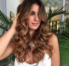 Best hair color brunette Amandamajor.com WORKING in Indianapolis, Delray Beach, South Florida, Boca raton & ZIONSVILLE, IN, SPECIALIZING IN Hair EXTENTIONS, CORRECTIVE HAIR COLOR, highlights AND HAIRCUTS.