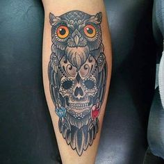 Owl and skull tattoo convey a strong meaning, and you can ask an artist to make a special design for you so that it is able to summarize a major event in Forarm Tattoos, New Tattoos, I Tattoo, Tattoos For Guys, Owl Skull Tattoos, Sugar Skull Owl, Diamond Tattoos, Geniale Tattoos, Pirate Skull