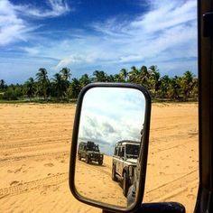 "Hoje só quero sair por ai.. #Repost @extremonordeste ""Today I woke up and as usual I didn't have to look at the mirror. I know I'm gorgeous"" (Land Rover Defender)  #XNE #offroad #mirror #rearviewmirror #praiadomaceio #camocim #ceara #Brazil #xneoffroad #landrover #landroverdefender #def110 #defender110 #beach #praias #turismodeaventura #adventure #adventuretravel #adventuretourism #mtur #rotadasemoções by camocimceara Hoje só quero sair por ai.. #Repost @extremonordeste ""Today I woke up and…"