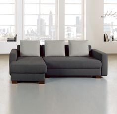 """Das Schlafsofa """"Loop"""" überzeugt mit elegantem Design und klaren Linien. Das Gestell sowie die sichtbaren, rechteckigen Füße werden aus massivem Buchenholz gefertigt. """"Loop"""" ist ein variantenreiches Sofa mit hochwertiger Polsterqualität."""