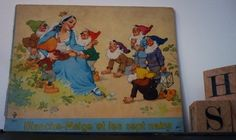 Blanche-Neige et les sept nains, livre illustré enfant de la boutique SaintFrusquin sur Etsy