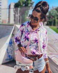 @rocio_outfit_ideas • Instagram photos and videos Floral Outfits, Floral Tops, Outfit Ideas, Bodysuit, Ruffle Blouse, Photo And Video, Videos, Photos, Instagram