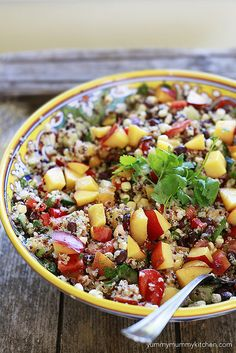 This quinoa salad with black beans, corn, and nectarines is amazing. Make it this weekend and pin it to make for the rest of the summer. So good! #vegan #healthy #glutenfree