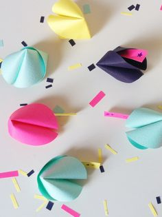 36 Inspirational Ideas Chinese New Year Party For Kids Children Chinese New Year Party, New Years Party, Origami Fortune Cookie, Deco Nouvel An, Pink Party Foods, Diy Paper, Paper Crafts, Elegant Birthday Party, Halloween Party Snacks