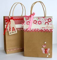 Gift Wrapping Inspiration : idea for decoration bag Valentines Diy, Valentine Day Gifts, Decorated Gift Bags, Paper Sack, Paper Gift Bags, Bag Toppers, Craft Bags, Christmas Bags, Christmas Wrapping