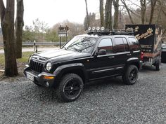 Jeep Wk, Jeep Liberty Sport, Cherokee Sport, Badass Jeep, Jeep Cars, Luxury Suv, Jeep Stuff, Vehicles, Watch