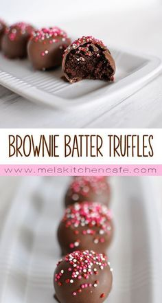 Brownie Batter Truffles are fabulous little chocolate-coated truffles that taste like a huge dollop of brownie batter!These Brownie Batter Truffles are fabulous little chocolate-coated truffles that taste like a huge dollop of brownie batter! Holiday Baking, Christmas Desserts, Christmas Baking, Holiday Treats, Holiday Recipes, Christmas Truffles, Christmas Treats For Gifts, Christmas Brownies, Christmas Cookies