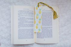 Marque Page Ananas Book Markers, Messages, Dream Catcher, Pineapple, Birthday Cards, Bookmark Ideas, Best Gifts, Etsy, Handmade Gifts