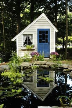 10 Fabulous Tiny Cabins and Houses