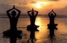 Flow: Yoga am Strand