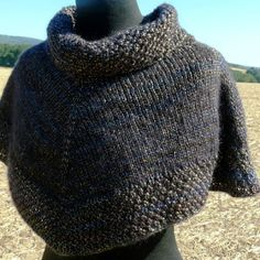 Ravelry: Shadow Capelet pattern by Camille Coizy Delahaie Poncho Knitting Patterns, Knitted Poncho, Free Knitting, Crochet Cape, Knit Or Crochet, Crochet Shrugs, Capelet, Stay Warm, Knitting Projects