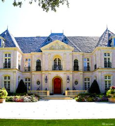 French chateau style exterior in my dream home ; French Architecture, Beautiful Architecture, Architecture Design, Exterior Design, Interior And Exterior, French Chateau, Plein Air, My Dream Home, Dream Homes