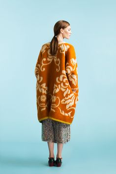 Longing For Sleep by Marit Ilison Unique Collection 2015 New Fashion, Luxury Fashion, Fashion Competition, Blanket Coat, International Fashion, Fall Winter Outfits, Classy Outfits, Knitwear, Ready To Wear