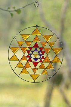 Sri Yantra Sacred Geometry Suncatcher Yoga mandala by Mownart Sri Yantra, Yantra Yoga, Stained Glass Projects, Stained Glass Patterns, Stained Glass Art, Sacred Geometry Art, Geometry Tattoo, Yoga Decor, Yoga Art