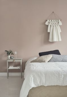 22 Pink Room for Atmosphere of Quiet and Sweet Room - Home Bedroom, Bedroom Decor, Bedrooms, Small Space Interior Design, Bedroom Wall Colors, Wall Colours, Pink Room, My Living Room, New Room
