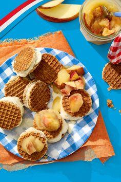 Nu heel veel lekkere & lichte recepten op recepten.lidl.nl! Lidl, Homemade Lemonade, Recipes From Heaven, Food Inspiration, Cravings, Foodies, Deserts, Good Food, Food And Drink