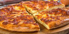 Plăcintă rapidă pentru micul dejun - Începeți ziua cu ceva delicios și sănătos Healthy Breakfast Casserole, Vegetarian Breakfast Recipes, Healthy Breakfast Smoothies, Breakfast Pizza, Pizza Recipes, Cooking Recipes, Munster, Bosnian Recipes, Food And Drink