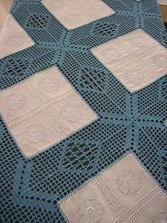 This Pin was discovered by Car Crochet Borders, Crochet Squares, Crochet Granny, Filet Crochet, Irish Crochet, Crochet Patterns, Tablecloth Fabric, Crochet Tablecloth, Crochet Doilies