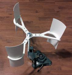 Vertical Axis Wind Turbine by hooptey.