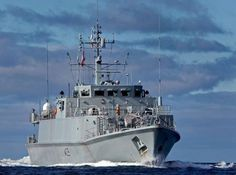 Sandown-Class mine hunter,HMS Bangor,sailed into Glasgow July 18 for start of visit of almost 3 weeks.52.7-metre ship,which usually homebased at Faslane,took short journey up Clyde to go alongside Plantation Quay, next to Glasgow Science Centre,where she will remain until August 4.Will open to visitors from July 19-August 3-usually 10am-5pm.Affiliated with my former home of Bangor,Northern Ireland,& been aboard a few times.