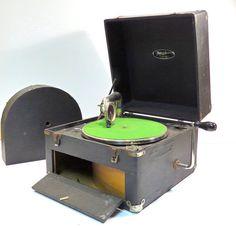 Thomas Mfg Portaphone 1920's Portable Phonograph