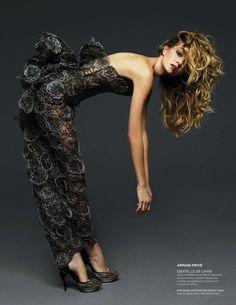 Lindsay Ellingson by Harri Peccinotti for L'Officiel Avril '09 #editorial #fashion #studio