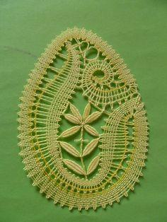 Bobbin Lace Patterns, Lace Heart, Lace Jewelry, Needle Lace, Lace Making, Doilies, Crochet, Easter Eggs, Tatting