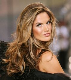 Photo : Alessandra Ambrosio avec maquillage