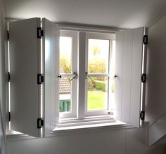 #binnenluiken #shutters #interieur. Luiken voor ramen in dakkapellen. Dakkapel. Luiken. Slaapkamer