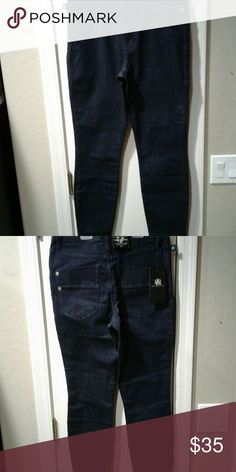 """Rock & repblic high Roller jeans 8m nwt These jeans are nwt style is called high Roller dark indigo color have a nice stretch to them 90% cotton 8% easterl 2% spandex waist 28 inseam 30"""" Rock & Republic Pants Skinny"""