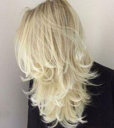 Platinum Blonde Layered Hair Long Layered Haircuts, Haircuts For Long Hair, Long Hair Cuts, Straight Hairstyles, Long Hair Styles, Layered Hairstyles, Latest Hairstyles, Blonde Layered Hair, Blonde Layers