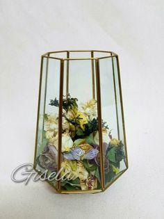 Gisela - Αποξήρανση ανθοδέσμης Terrarium, Wedding Bouquets, Wedding Ideas, Home Decor, Terrariums, Decoration Home, Wedding Brooch Bouquets, Room Decor, Bridal Bouquets