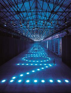 Where To Start From, exposición lumínica en el MAXXI Museum de Roma                                                                                                                                                                                 Más