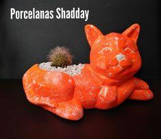 Porcelanas Shadday Personalizamos tu mundo ✨ Piggy Bank, Garden Sculpture, Dinosaur Stuffed Animal, Christmas Ornaments, Toys, Holiday Decor, Outdoor Decor, Animals, The World