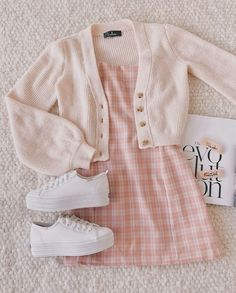 outfit goals for school casual / outfit goals for school Cute Casual Outfits, Girly Outfits, Mode Outfits, Retro Outfits, Korean Outfits, Stylish Outfits, Vintage Outfits, Teen Fashion Outfits, Look Fashion