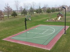 Now that's a basketball court! every back yard should have o Backyard Plan, Backyard Games, Backyard Projects, Backyard Basketball, Outdoor Basketball Court, Outside Patio, Outdoor Playground, Outdoor Fun, Garden Styles
