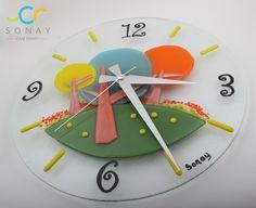 Birbirinden eğlenceli duvar saatleri...devamı çok yakında sizlerle! wall watch fusion glass art, glass watch, green  , yellow , blue , orange, decoration