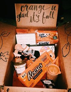 ᴘ ι ɴ т ᴇ ʀ ᴇ ѕ т: anika.schhuetz INSTAGRAM : anika.schuetz Christmas Gift Box, Fall Halloween, Man Suit, Orange You Glad, Gifts For Your Boyfriend, Happy New Year, Homemade Gifts, Bespoke, Cheese