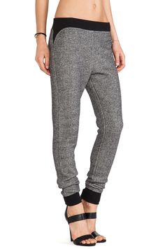 T by Alexander Wang Robust French Terry Sweatpants в цвете Черный и кость | REVOLVE